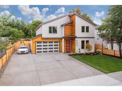 Portland Single Family Home For Sale: 5325 SE Bybee Blvd