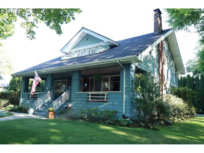Portland Single Family Home For Sale: 4110 NE Knott St