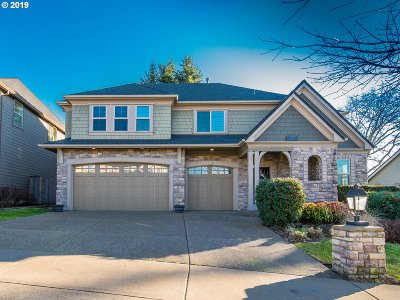 Clackamas County Single Family Home For Sale: 2739 Ridge Ln