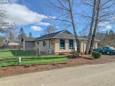 Sutherlin Single Family Home For Sale: 366 Sunset St