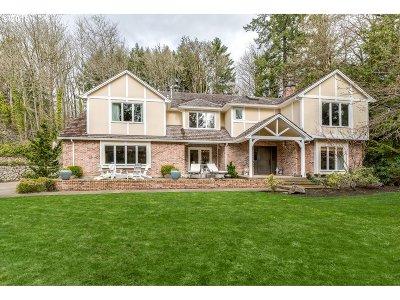 Lake Oswego Single Family Home For Sale: 13310 Fox Run