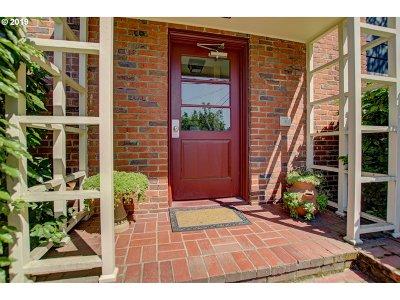 Portland Condo/Townhouse For Sale: 280 NE 60th Ave #24