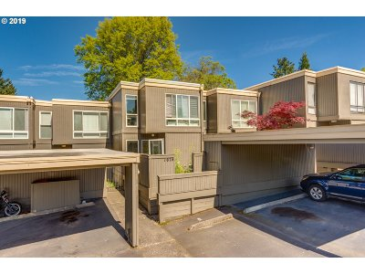 Beaverton Condo/Townhouse For Sale: 1674 NW Bridgeway Ln