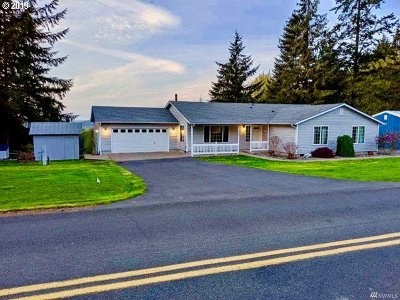 Cowlitz County Single Family Home For Sale: 720 Schaffran Rd