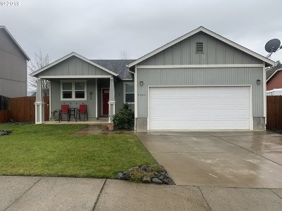 Roseburg Single Family Home For Sale: 1041 Rolling Hills Rd