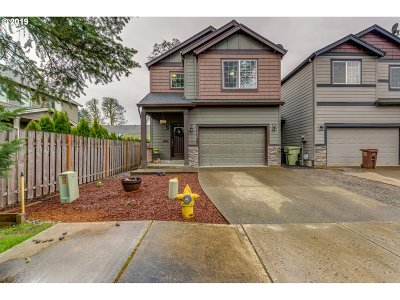 Single Family Home For Sale: 31850 NW Claxtar St