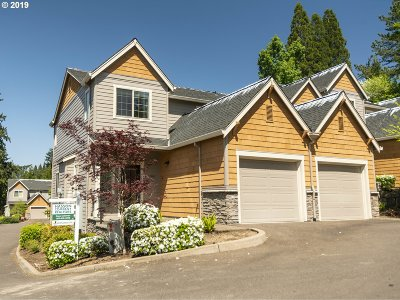Lake Oswego Condo/Townhouse For Sale: 12882 Boones Ferry Rd
