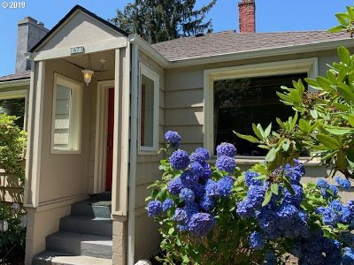 Astoria Single Family Home For Sale: 1673 7th St