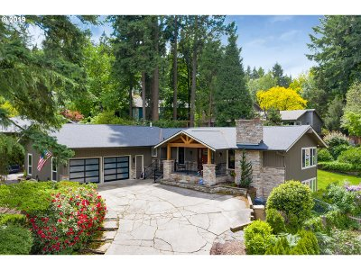 Lake Oswego Single Family Home For Sale: 17705 Tree Top Ln