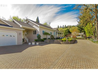 Roseburg Single Family Home For Sale: 2681 Roberts Creek Rd