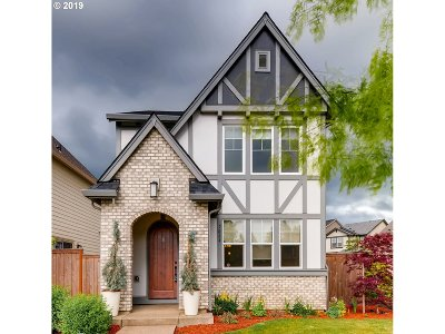 Portland Single Family Home For Sale: 7064 NW Eleanor Ave