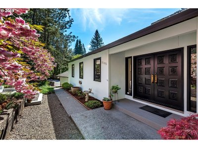Portland Single Family Home For Sale: 2105 NW 124th Ave