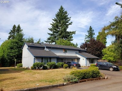 Portland Multi Family Home For Sale: 903 NE 162nd Ave