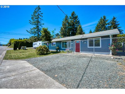 Coos Bay Single Family Home For Sale: 825 F St