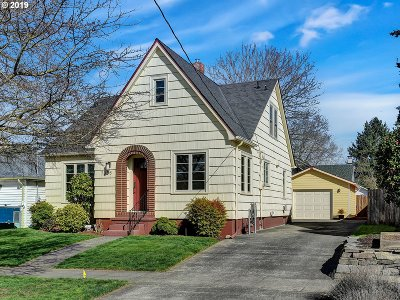 Multnomah County Single Family Home For Sale: 7056 N Campbell Ave