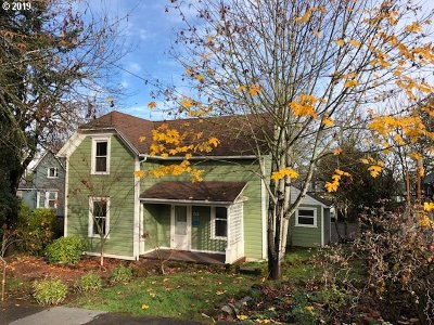 Oregon City Single Family Home For Sale: 715 9th St