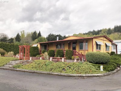 Kalama Single Family Home For Sale: 5400 Meeker Dr #105