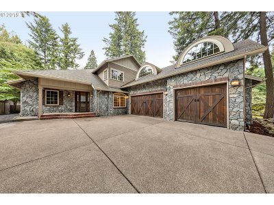 Lake Oswego Single Family Home For Sale: 2250 Southshore Blvd