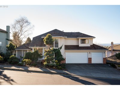 Happy Valley, Clackamas Single Family Home For Sale: 12694 SE Spring Mountain Dr