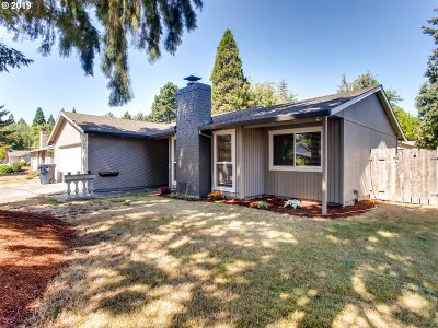 Beaverton Single Family Home For Sale: 19345 SW Willow Creek Ct SW