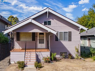 Portland Single Family Home For Sale: 3811 SE Harrison St