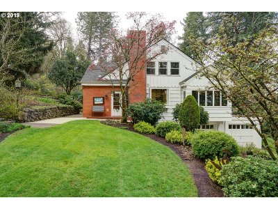 Salem Single Family Home For Sale: 965 Crestview Ct S