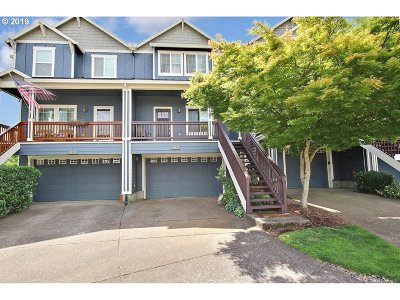 Clackamas County Single Family Home For Sale: 20518 Noble Ln