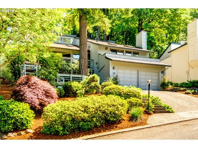 Lake Oswego Single Family Home For Sale: 27 Partridge Ln