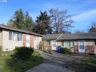 Portland Multi Family Home For Sale: 3118 SE 136th Ave