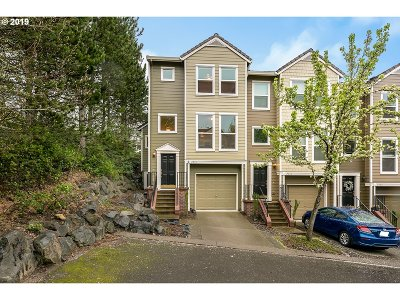 Portland Condo/Townhouse For Sale: 2974 NW Kennedy Ct