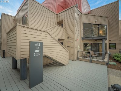 Portland Condo/Townhouse For Sale: 1040 NW Naito Pkwy #0-7