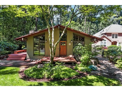 Lake Oswego Single Family Home For Sale: 1125 Northshore Rd