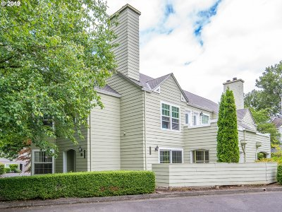 Wilsonville Condo/Townhouse For Sale: 8505 SW Curry Dr #D