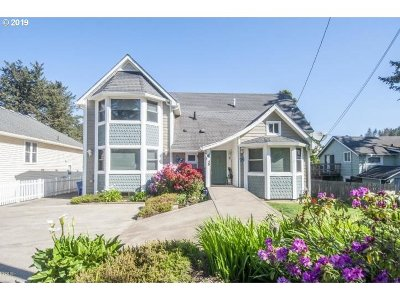Single Family Home For Sale: 45 NW Vista St