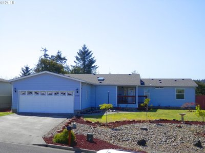 Coos Bay Single Family Home For Sale: 1075 Kentucky Ave