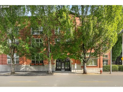 Portland Condo/Townhouse For Sale: 1009 NW Hoyt St #205