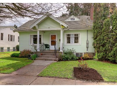 Multnomah County Single Family Home For Sale: 9020 N Smith St