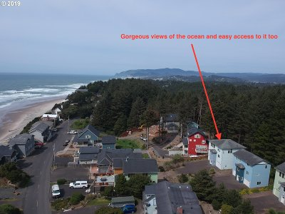 Lincoln City Single Family Home For Sale: 715 SW Bard Rd