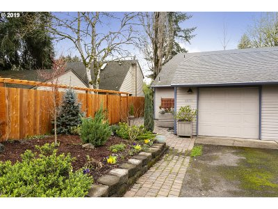 Beaverton Single Family Home For Sale: 4875 SW 152nd Ave