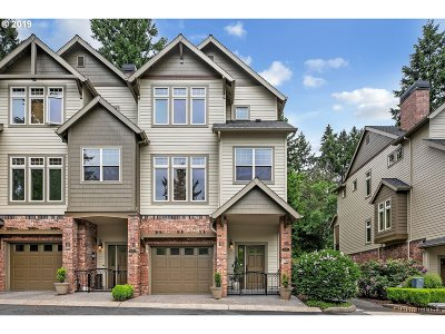 Lake Oswego Single Family Home For Sale: 5071 W Sunset Dr