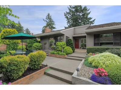 Wilsonville Single Family Home For Sale: 7242 SW Lake Bluff Ct