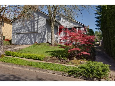 Beaverton Single Family Home For Sale: 13315 SW Barberry Dr