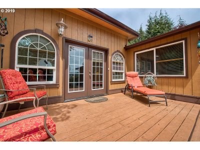 Coos Bay Single Family Home For Sale: 93356 Oakway Rd
