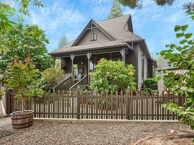 Newberg Single Family Home For Sale: 307 S Edwards St