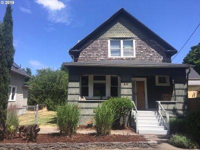 Multnomah County Single Family Home For Sale: 627 NE Stanton St