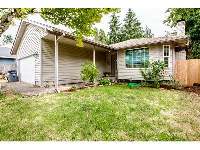 Springfield Single Family Home For Sale: 6777 Aster St