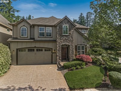 Happy Valley, Clackamas Single Family Home For Sale: 11566 SE Aerie Crescent Rd