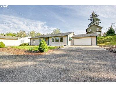 Roseburg Single Family Home For Sale: 457 SE Ramp St