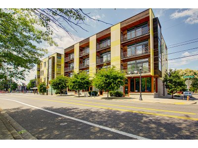 Multnomah County Condo/Townhouse For Sale: 1455 N Killingsworth St #303