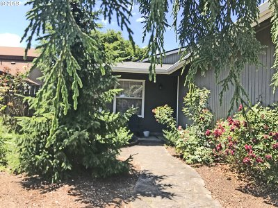 Newberg Single Family Home For Sale: 809 Marie Ave